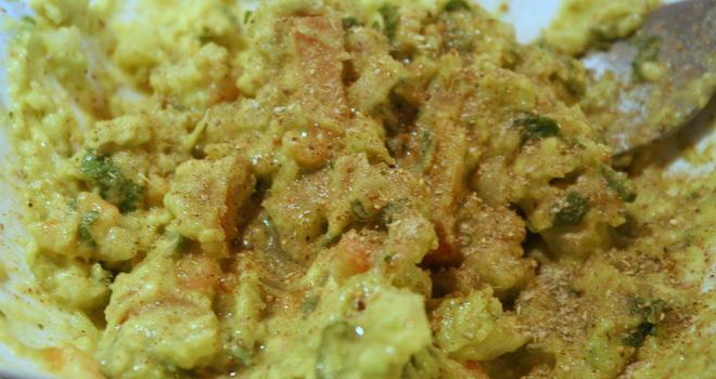 Guacamole-Recipe-Indian-Twist-Steps