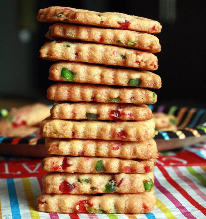 Tutti-Frutti-Cookies-Eggless
