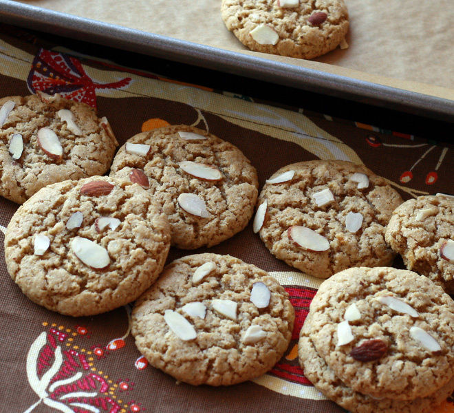 Peanut-Butter-Almond-Cookies--6