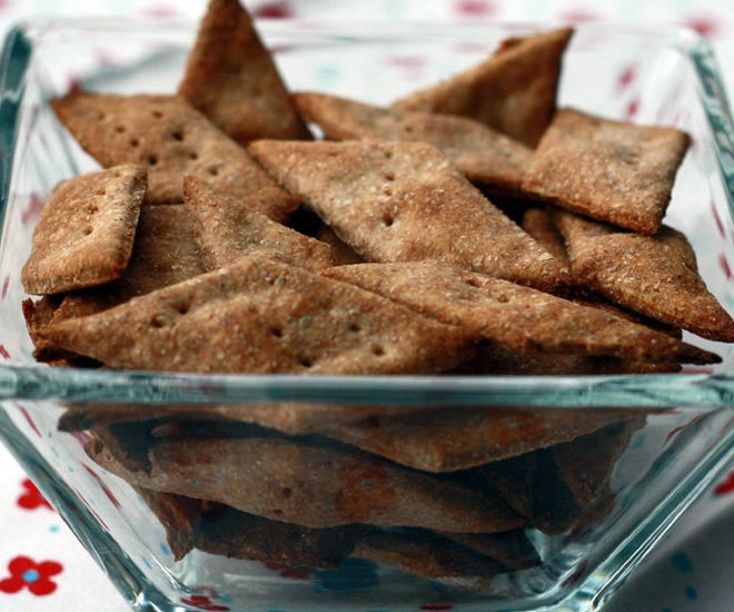 Whole-Wheat-Baked-Namak-Paare-notitle-cwm