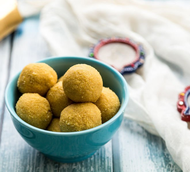Besan Ladoo - Cook With Manali