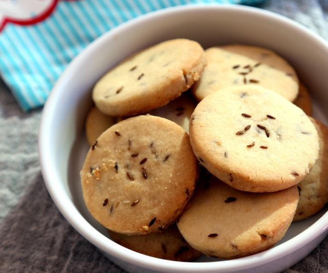 Jeera-Cookies-5-notitle-cwm