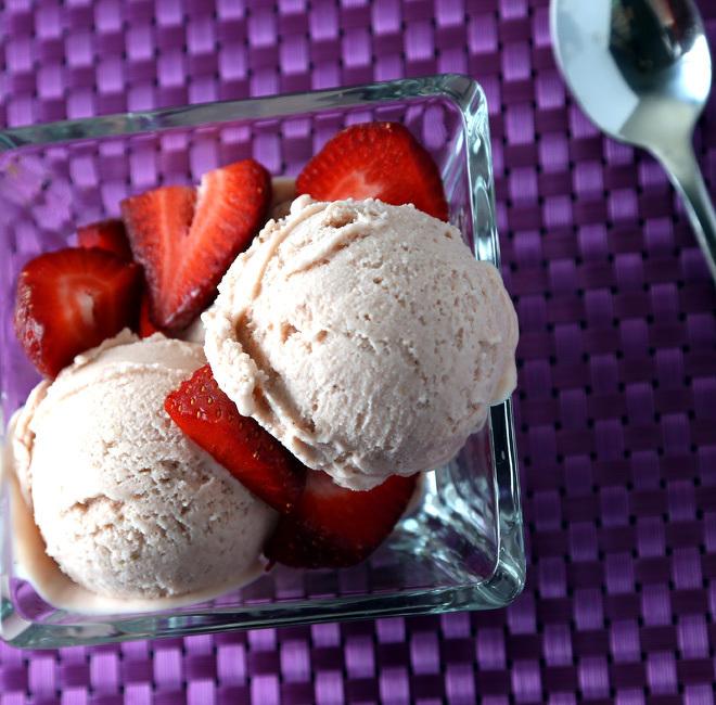 Strawberry-Avocado-Ice-Cream-3-notitle-cwm