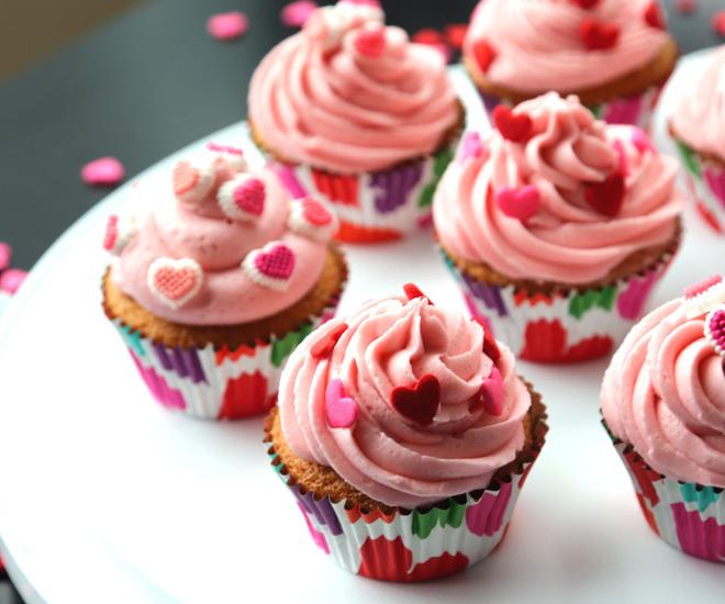 Vanilla-Cupcakes-5-notitle-cwm