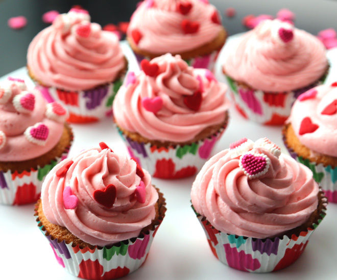 Vanilla-Cupcakes-6-notitle-cwm