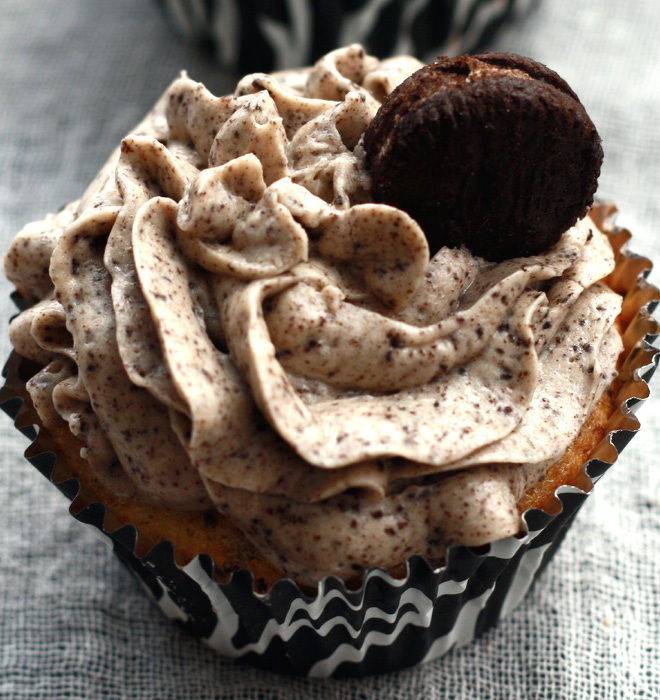 Oreo-Cupcakes-2-notitle-cwm