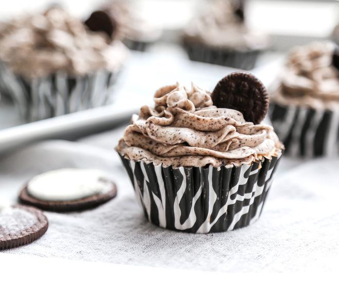 Oreo-Cupcakes-33-notitle-cwm