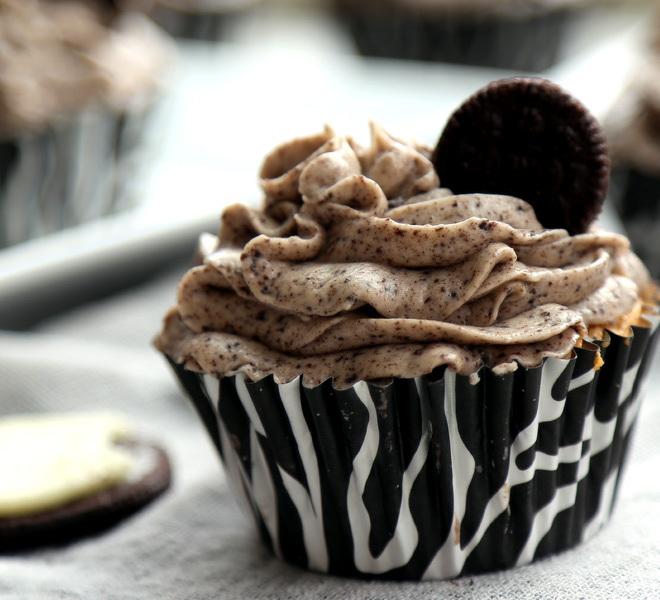 Oreo-Cupcakes-cwm