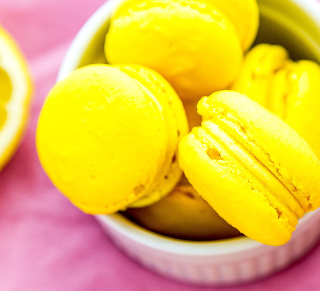 Lemon-Macarons-1-notitle-cwm