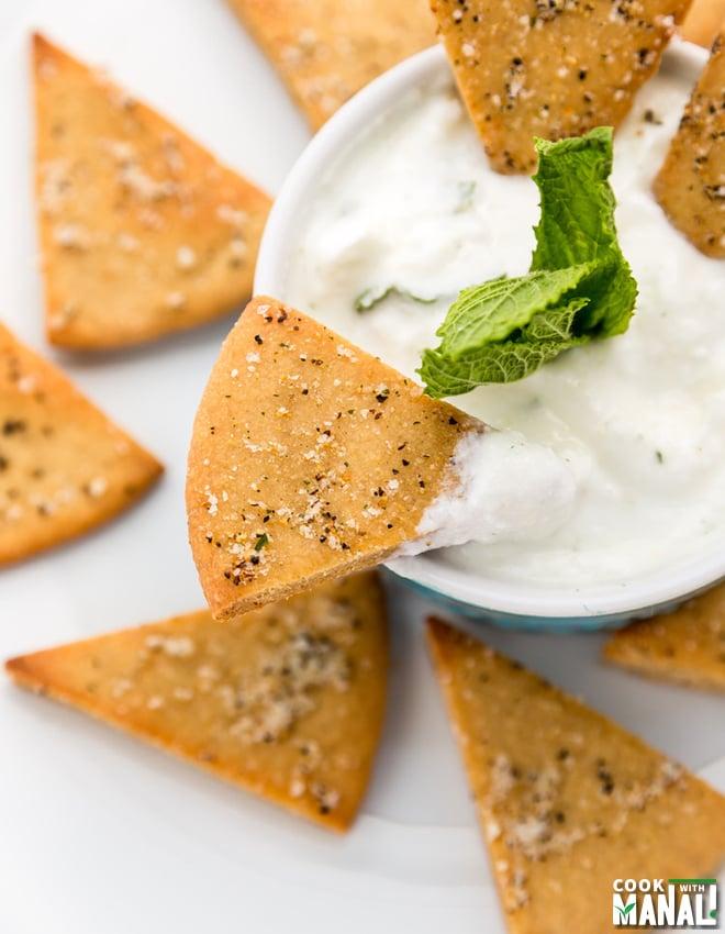 Whole-Wheat-Pita-Chips-With-Yogurt-Dip-notitle-cwm