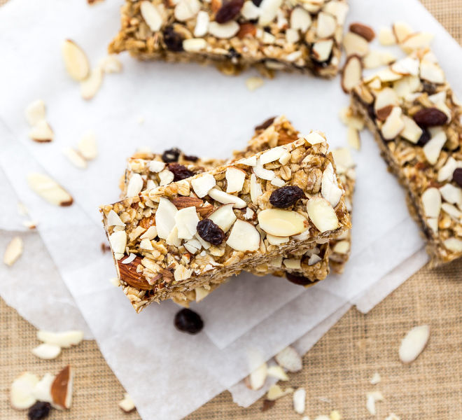 Almond Raisin Granola Bar