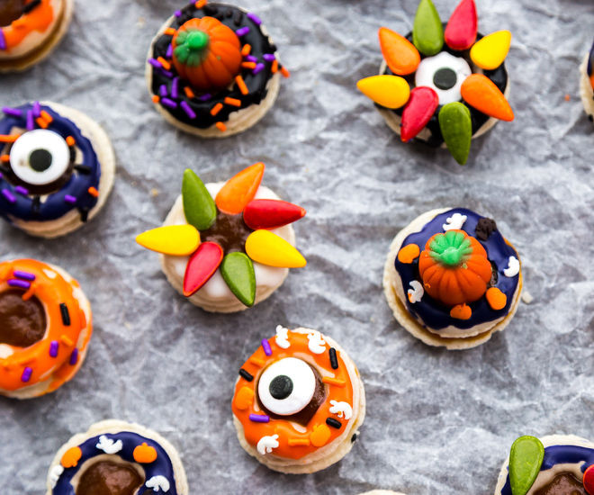 Donut Macarons for Halloween