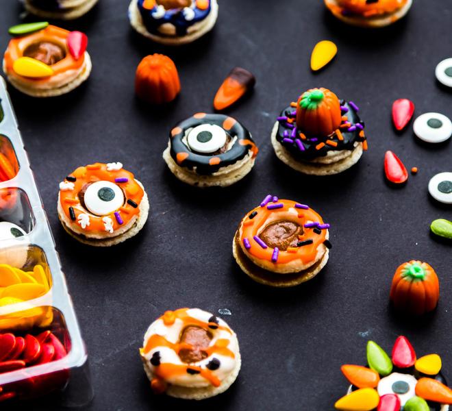 Halloween French Macaron