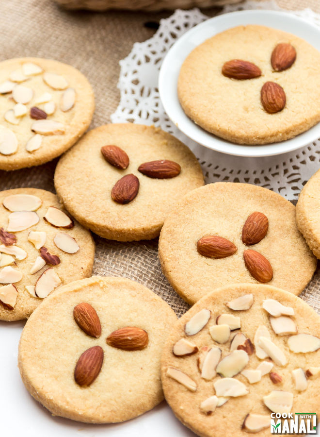 Eggless Almond Cookie