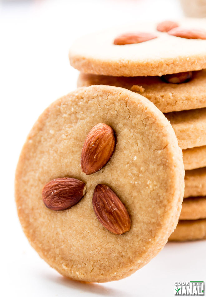 Eggless Almond Cookies