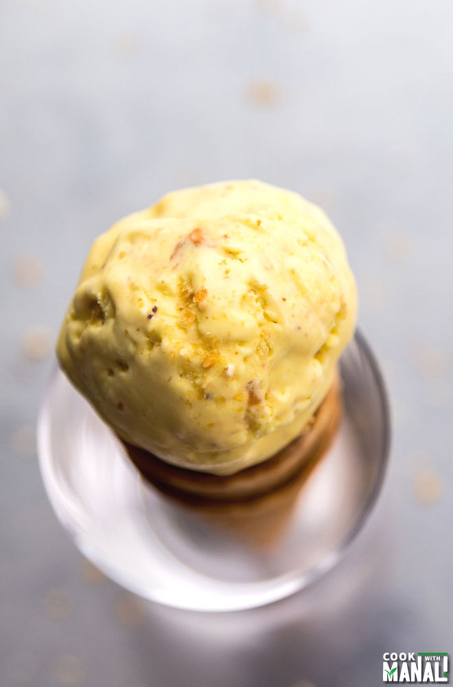 Eggless Indian Butterscotch Ice Cream