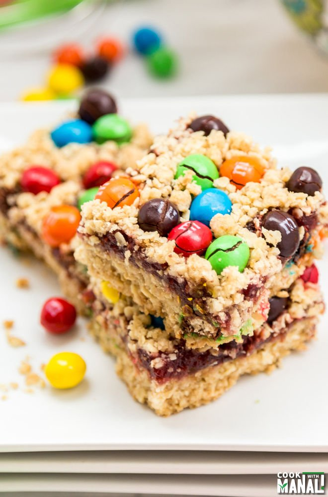 M&M Oatmeal Bars