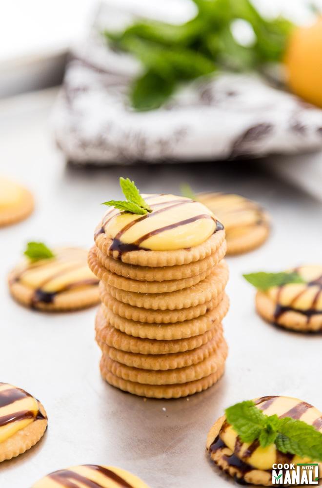 Mango Chocolate Cracker Bites