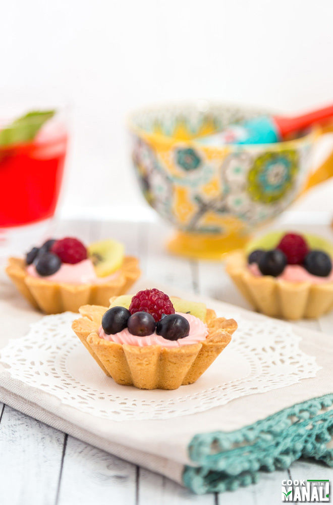 mini fruit tarts are apples fruits