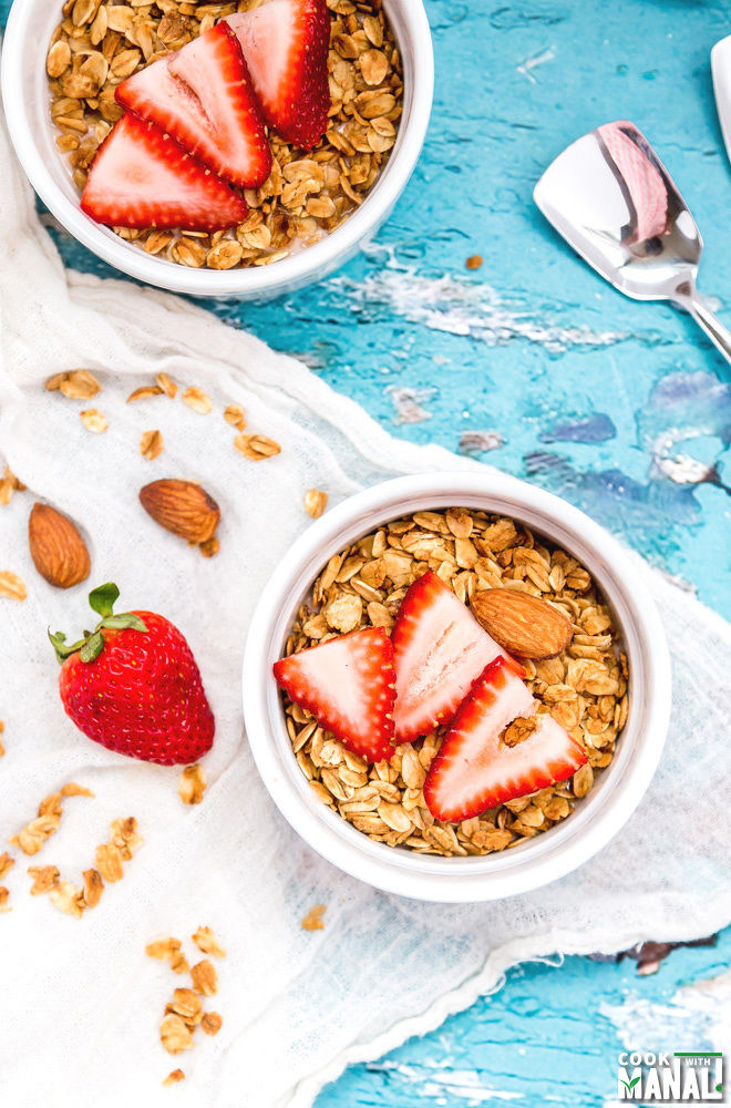 Yogurt Granola Breakfast Bowl