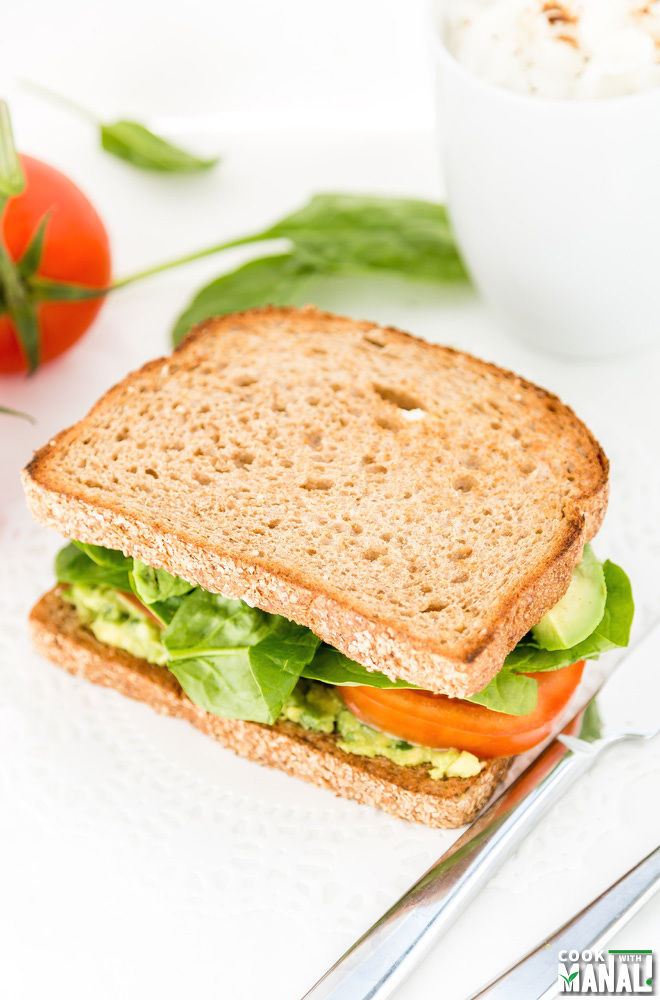 Avocado Tomato Spinach Sandwich
