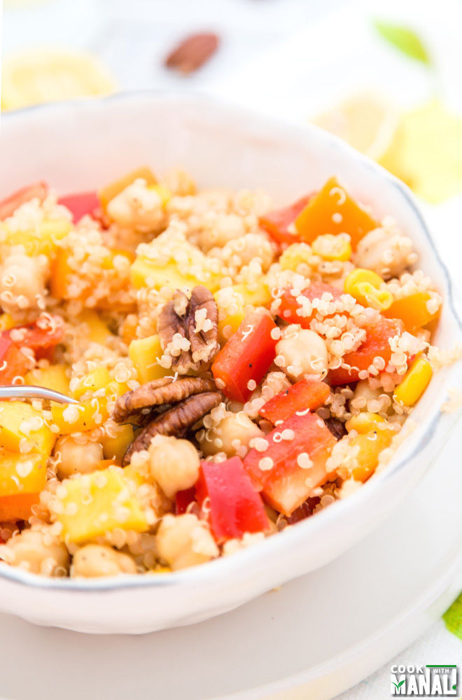 Vegan Quinoa Chickpea Salad