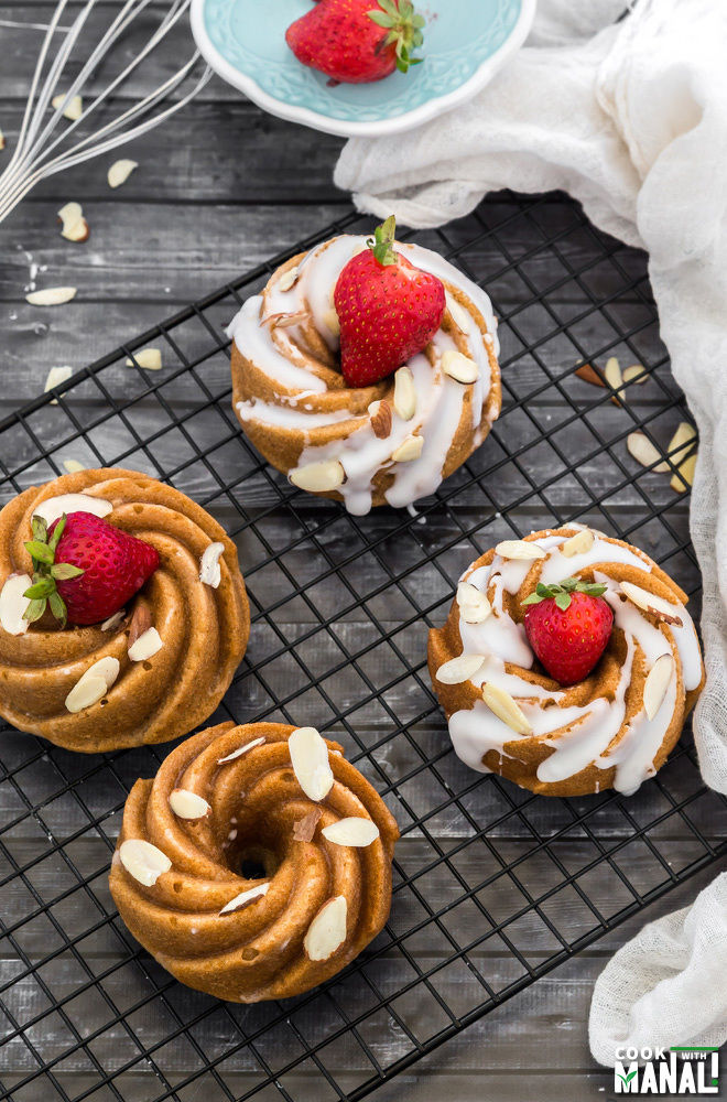 Cinnamon Mini Bundt Cakes
