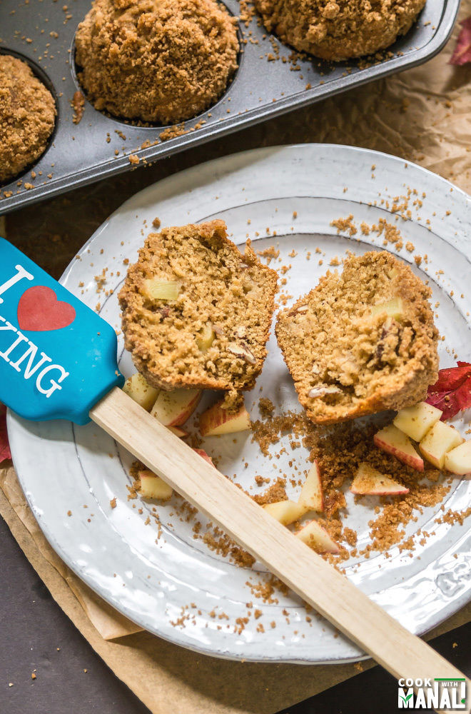 Apple Crumb Muffin Recipe-1