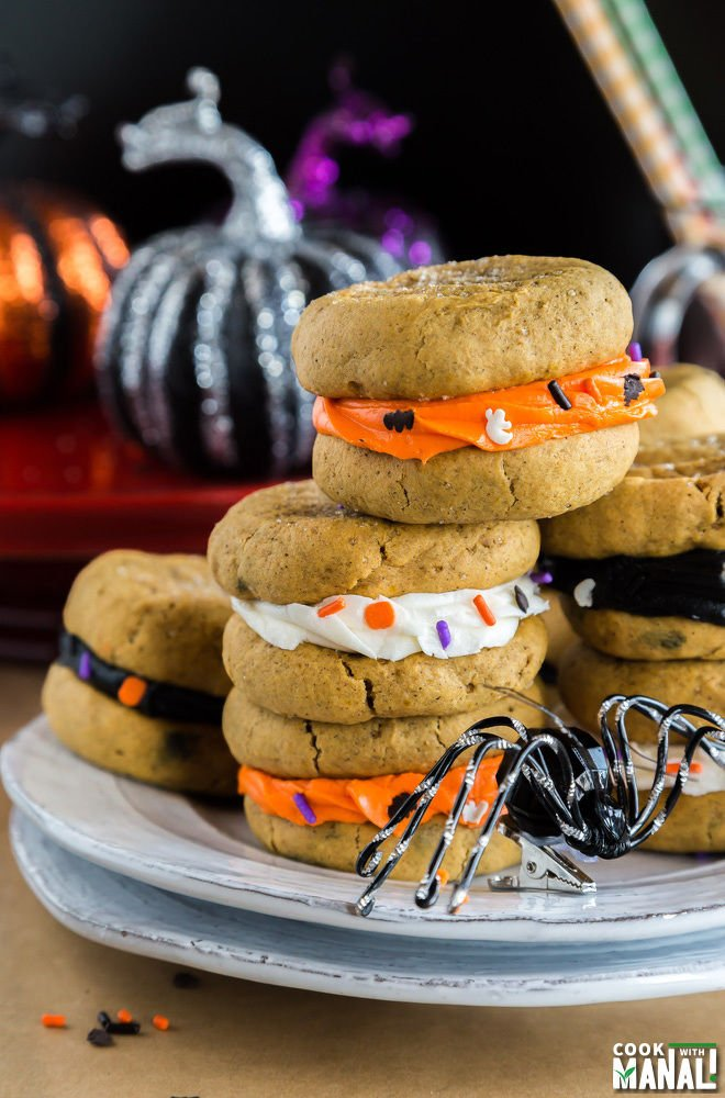 Pumpkin Sandwich Cookies for Halloween