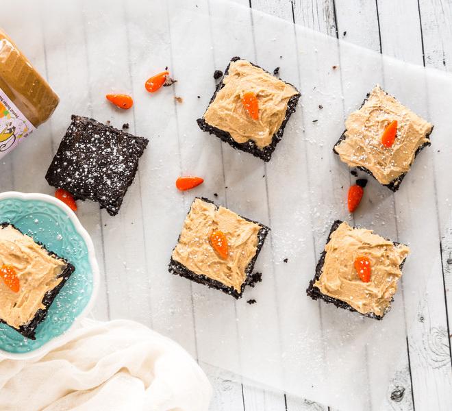 Pumpkin Spice Brownies + A Giveaway!