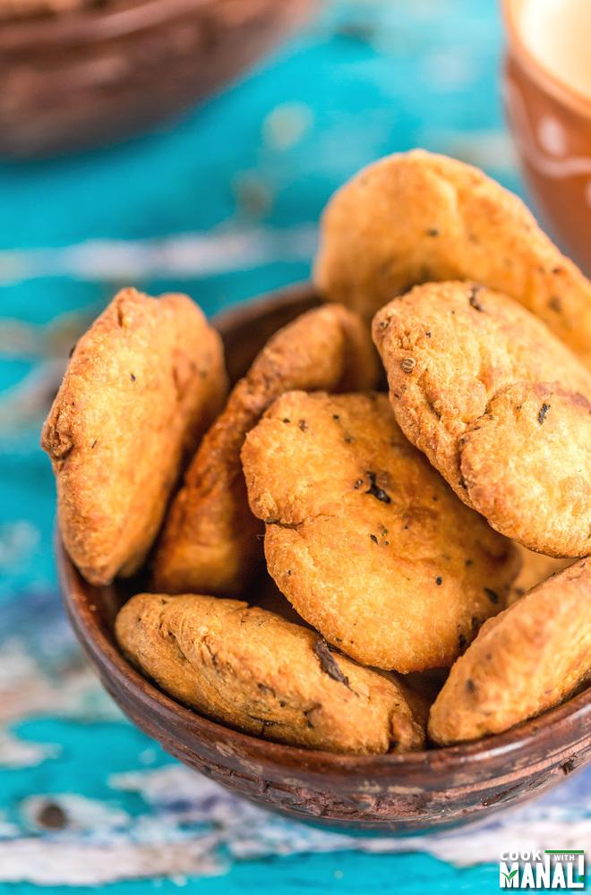 Methi Mathri Recipe