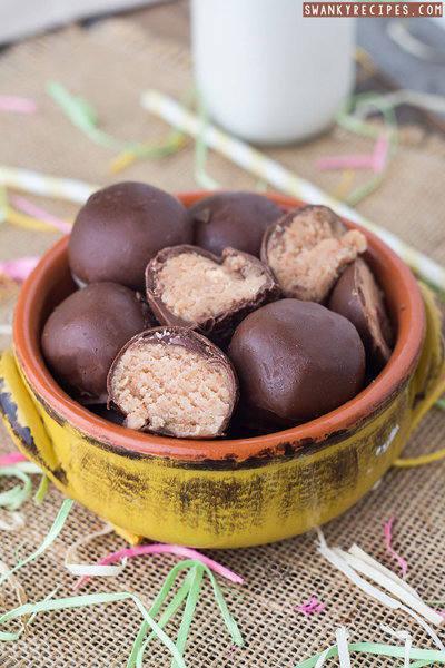 Strawberry-Cheesecake-Truffle-Recipe