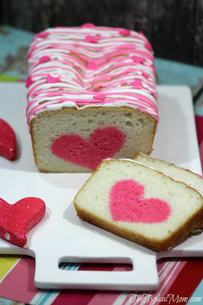 Valentines-Day-heart-strawberry-cake.-700x1050