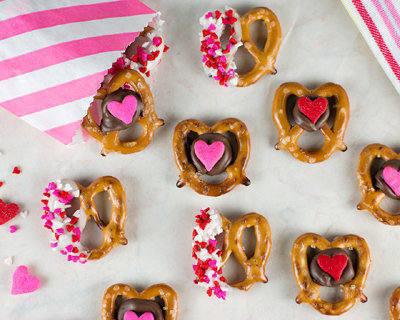 valentine-pretzel-snack-bites-2