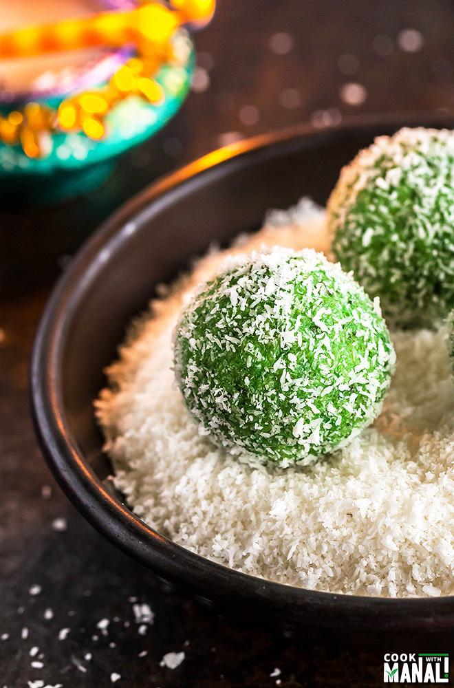 paan-coconut-ladoo-1