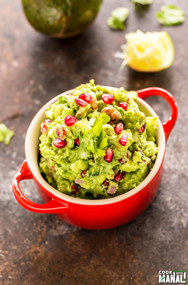 festive-guacamole-with-pomegranate-apples