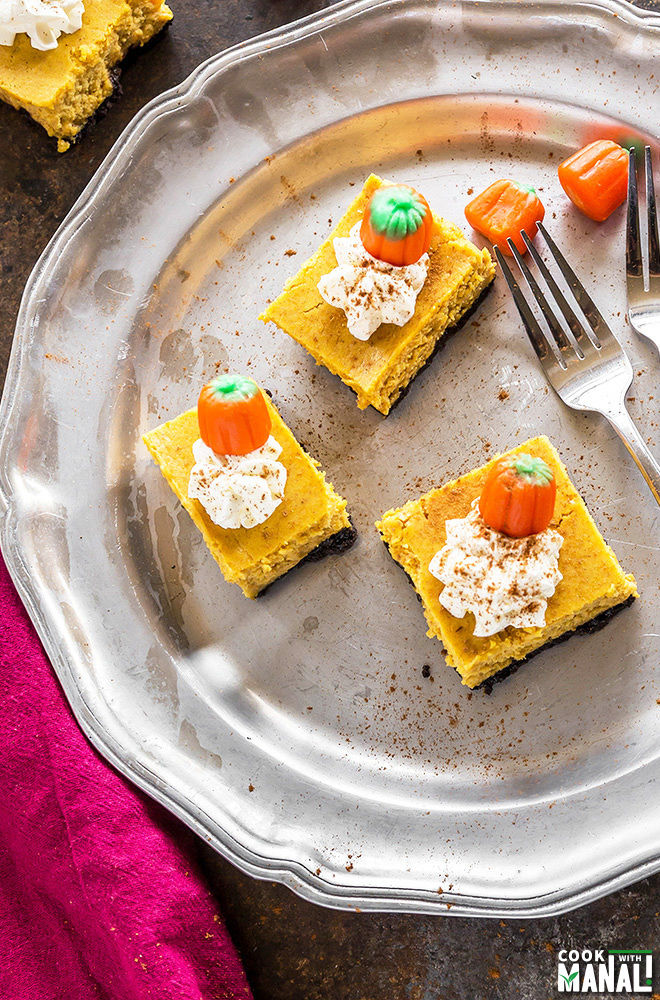 oreo-pumpkin-cheesecake-bars