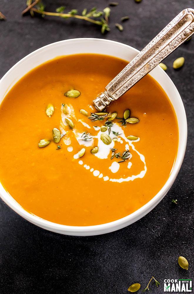 Slow Cooker Carrot Turmeric Soup