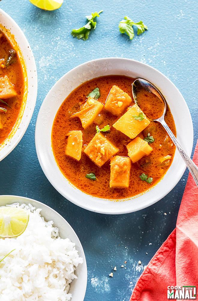 thai pumpkin curry in a bowl