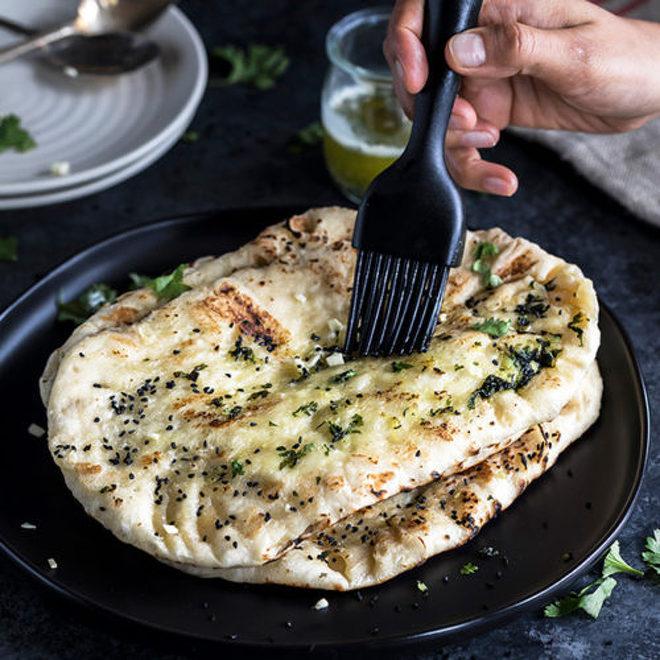 Restaurant Style Garlic Naan Cook With Manali