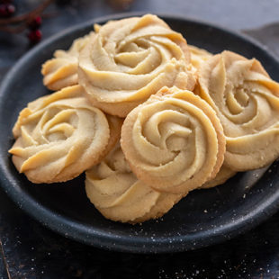 baked rosette shaped cookies